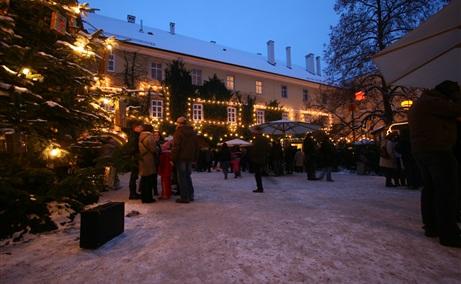 Starnberg Weihnachtsmarkt.Eferdinger Schlossadvent